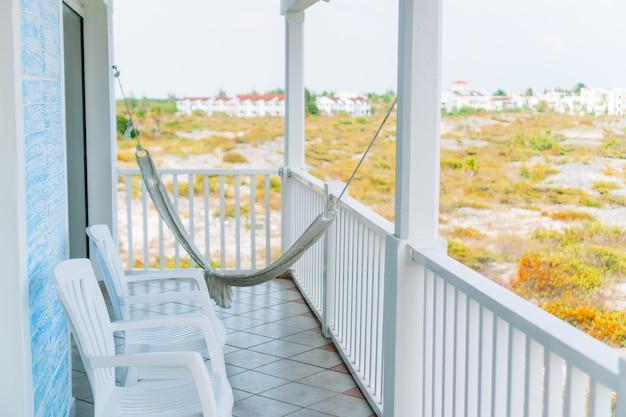 Schöner balkon in einem kleinen boutiquehotel