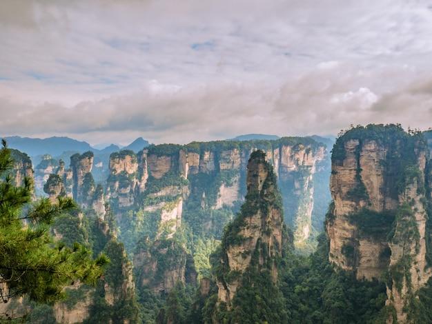 Schöner berg des yuanjiajie oder avartar berges bei zhangjiajie national forest park