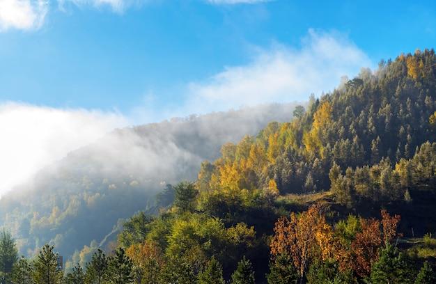 Schöner bergblick am morgen, innere mongolei