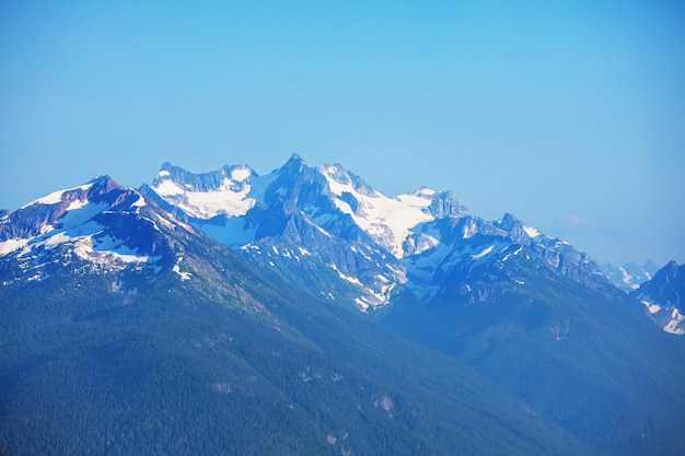 Schöner berggipfel in north cascade range, washington, usa