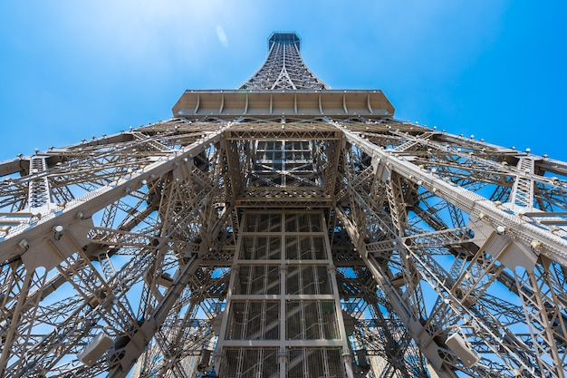 Schöner eiffelturmmarkstein des pariser hotels und des erholungsortes in der macao-stadt