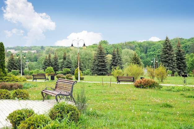 Schöner grüner park theophania.landscape.