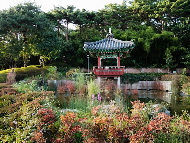 Schöner pavillon und garten am seoul-weltcupstadion