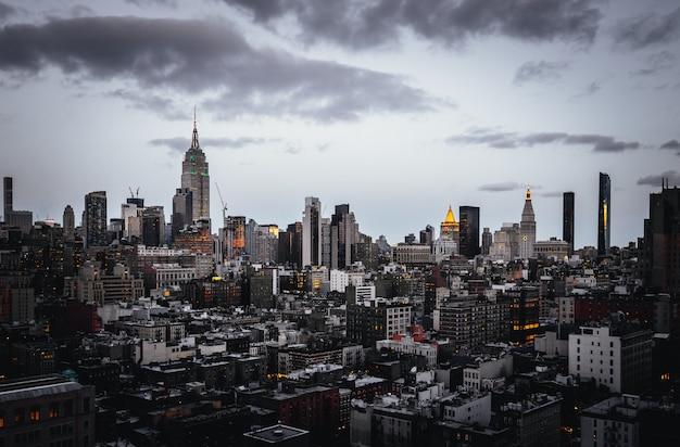Schöner schuss der dämmerung in new york