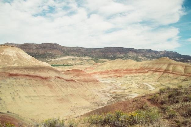 Schöner schuss einer großen strukturierten wüste