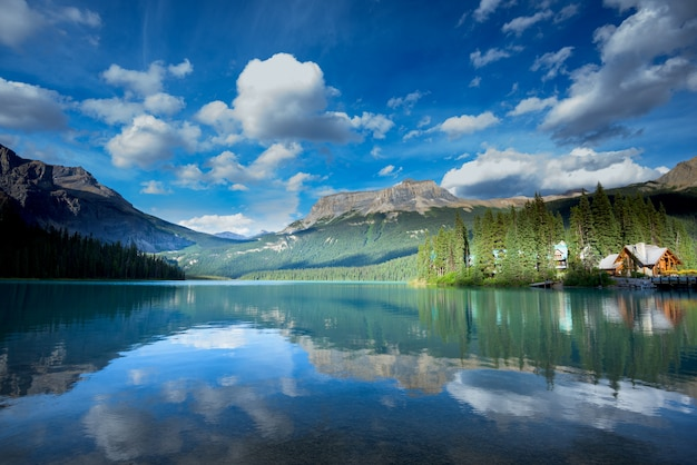 Schöner smaragdsee, nationalpark yoho, britisch-columbia, kanada