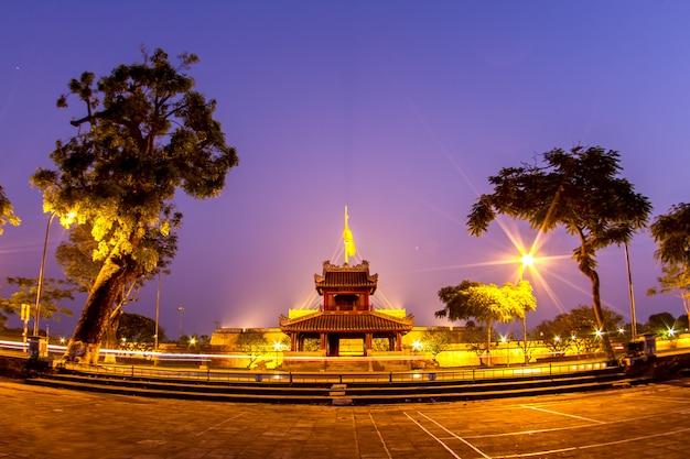 Schöner sonnenaufgang. provinz hue vietnam