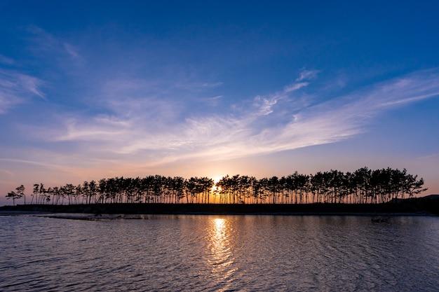 Schöner sonnenuntergang in pine island