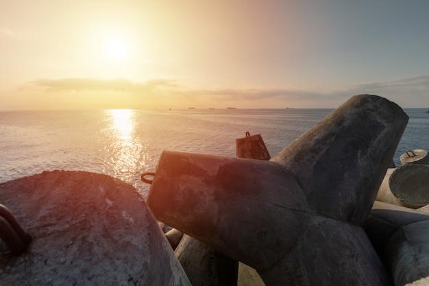 Schöner sonnenuntergangmeerblick