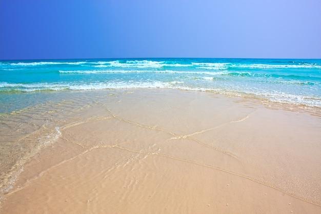 Schöner tropischer strand in koh kood, thailand