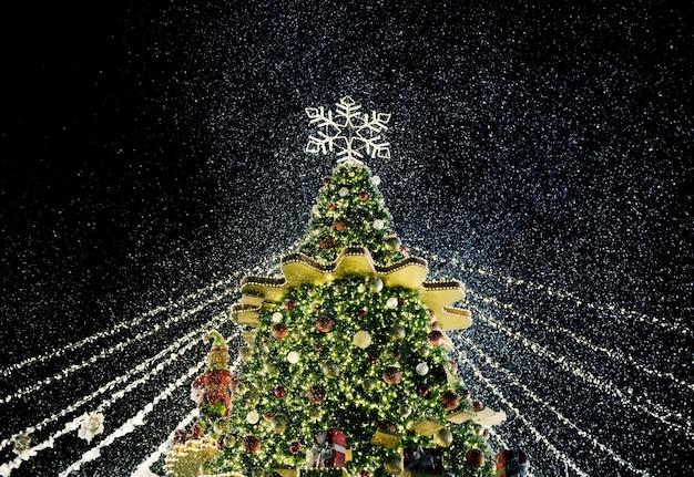 Schöner weihnachtsbaum