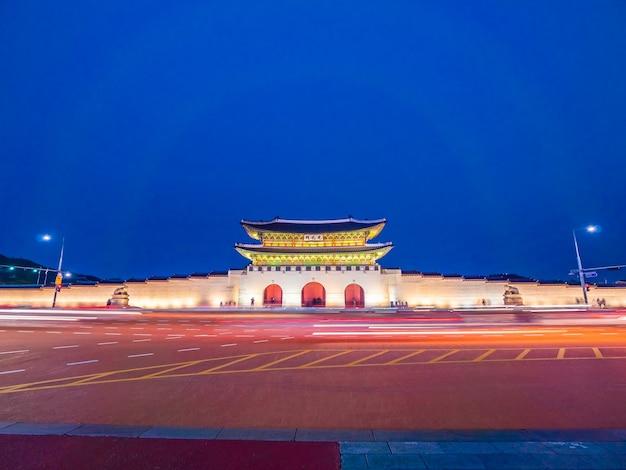 Schönes architekturgebäude des gyeongbokgungs-palastes