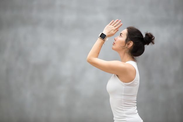 Schönes ashtanga vinyasa yoga