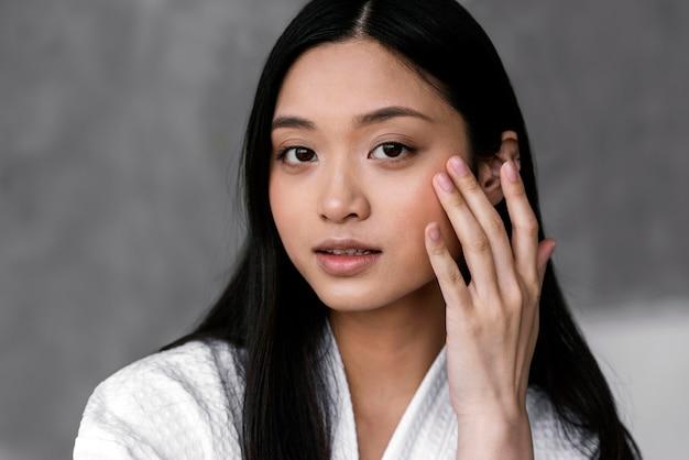 Schönes asiatisches frauenporträt