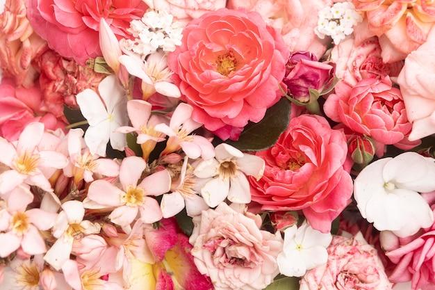 Schönes blumen-valentinstagkonzept