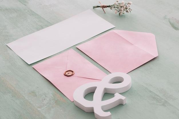 Schönes briefpapierhochzeitskonzept