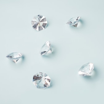 Schönes diamantkonzept mit elegantem stil