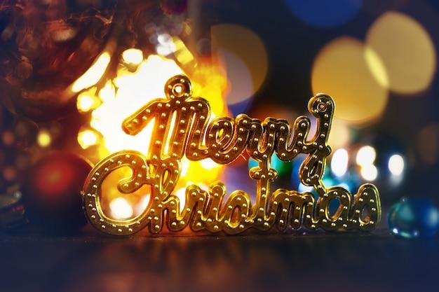 Schönes festliches licht konzepthintergrund der frohen weihnachten.