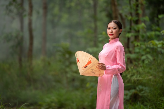 Schönes jugendlich mädchen vietnams des porträts