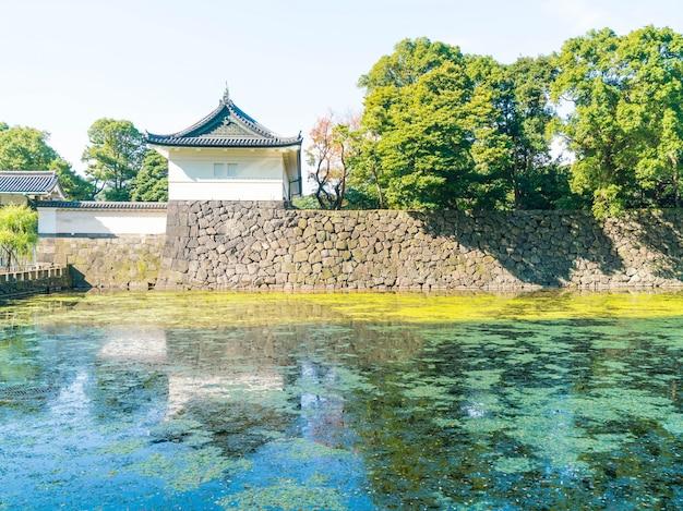 Schönes kaiserpalastgebäude in tokio