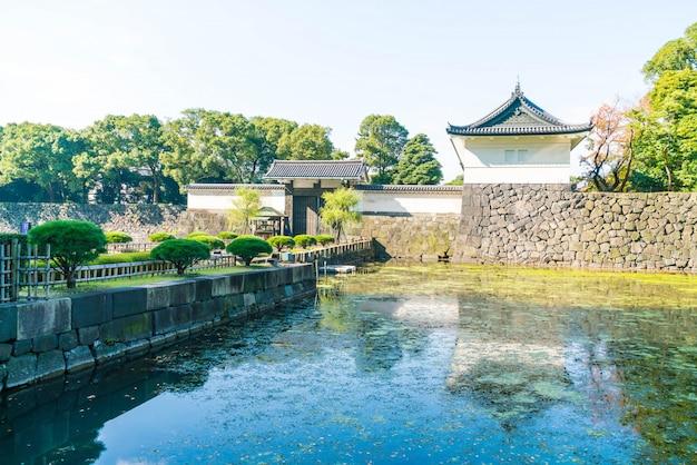Schönes kaiserpalastgebäude in tokyo