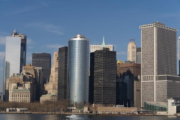 Schönes panorama von new york city während des tages