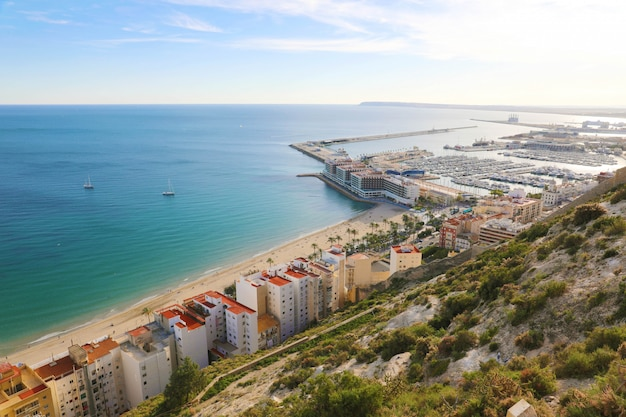 Schönes stadtbild von alicante, costa blanca, spanien