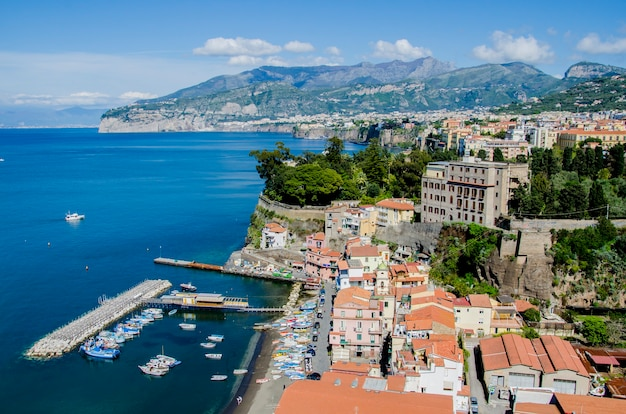 Schönes stadtbild von sorrent in italien