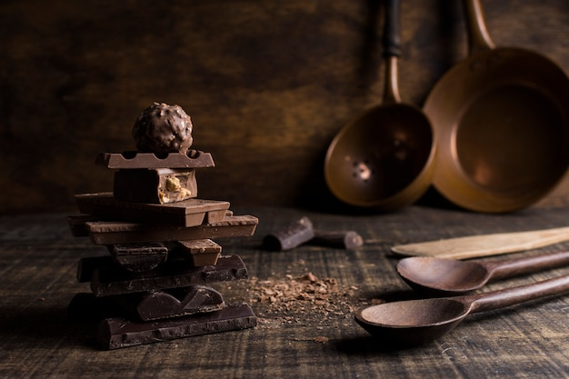 Schönes stillleben mit schokoladenkonzept