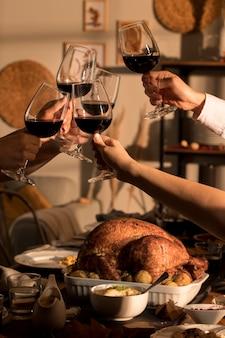Schönes thanksgiving-mahlzeit-konzept