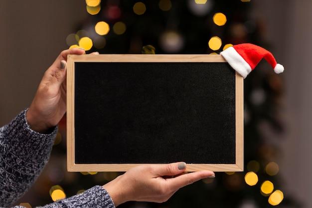 Schönes weihnachtskonzept zu hause mit kopierraum