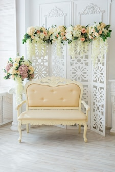 Schönes wohnzimmer im klassischen stil