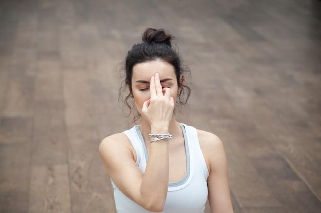 Schönes yoga: nadi shodhana pranayama