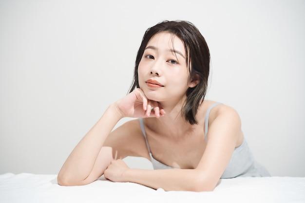 Schönheitsbild der japanischen jungen frau