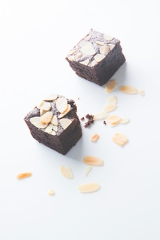 Schokoladen-brownies, abgebissen
