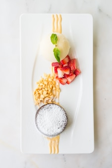 Schokoladen-lava-dessert