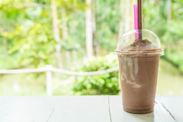 Schokoladen-smoothies (milchshake)