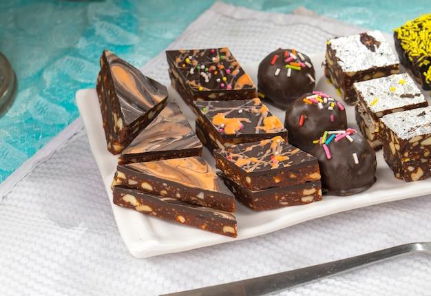 Schokoladen-trockenfrüchte süß