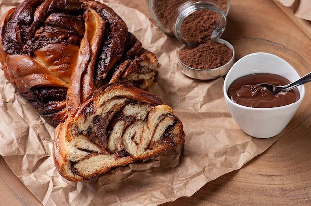 Schokoladenbrot gefüllt mit haselnusscreme