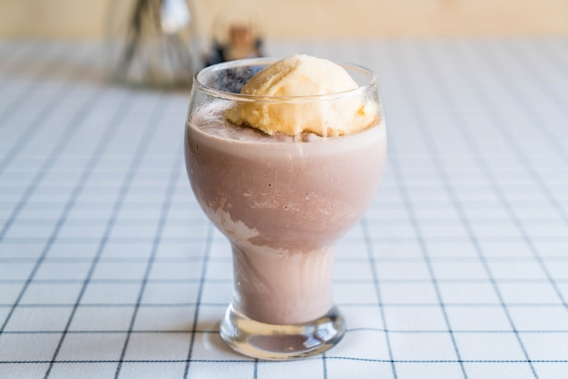 Schokoladenfrappe mit vanilleeis