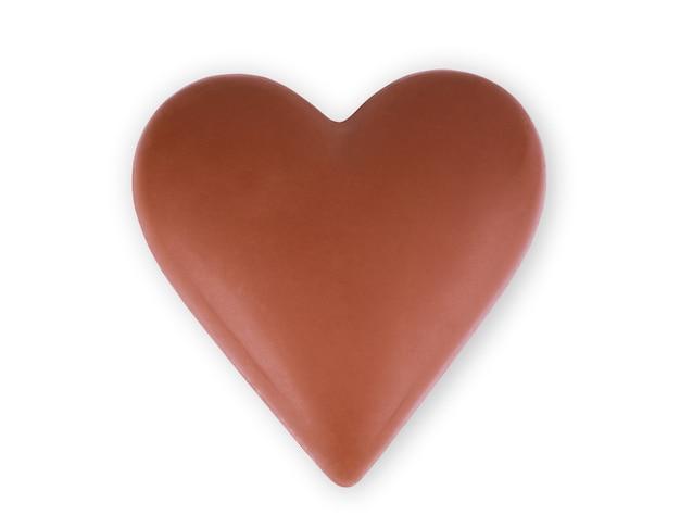 Schokoladenherz auf weißem hintergrund