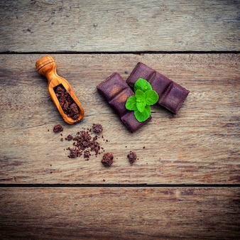 Schokoladenhintergrund und nachtischmenü.