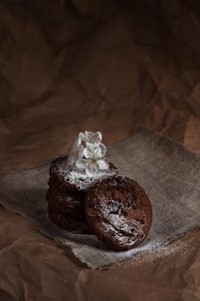Schokoladenkekse. hausgemachtes backen. bäckerei