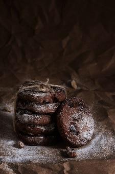 Schokoladenkekse mit nüssen