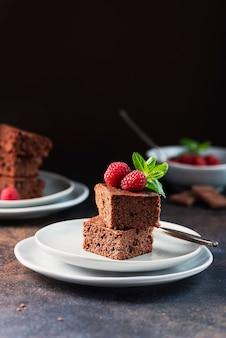 Schokoladenkuchen mit karamell
