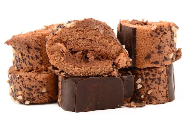 Schokoladenrolle mit nüssen