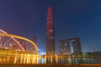 Schöne Nachtansicht der Stadt in Tianjin, China