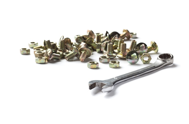 Schrauben, muttern und metallschlüssel