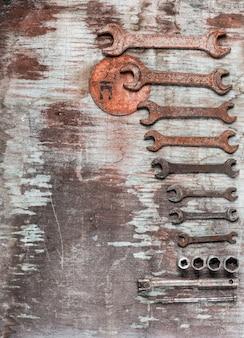 Schraubenschlüssel, schraubenschlüssel gesetzt