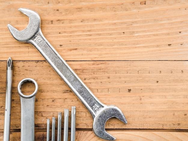 Schraubenschlüssel und düsen für schraubendreher